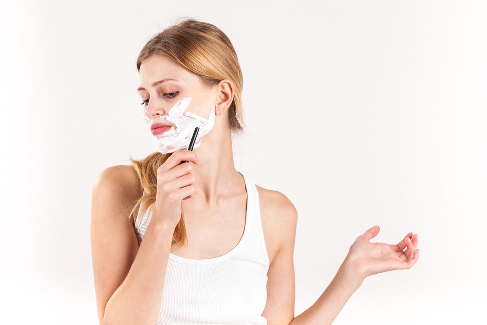 顔の産毛を処理する時に気をつけたいポイントとは?
