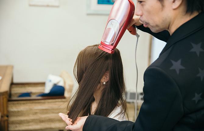 モテる女性に欠かせない!ツヤ髪をキープするために簡単にできるブローの仕方