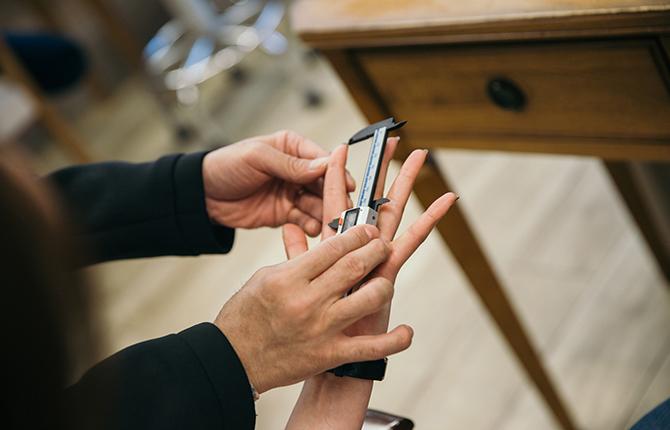 指の長さや体型でわかる!似合わせヘアスタイル診断