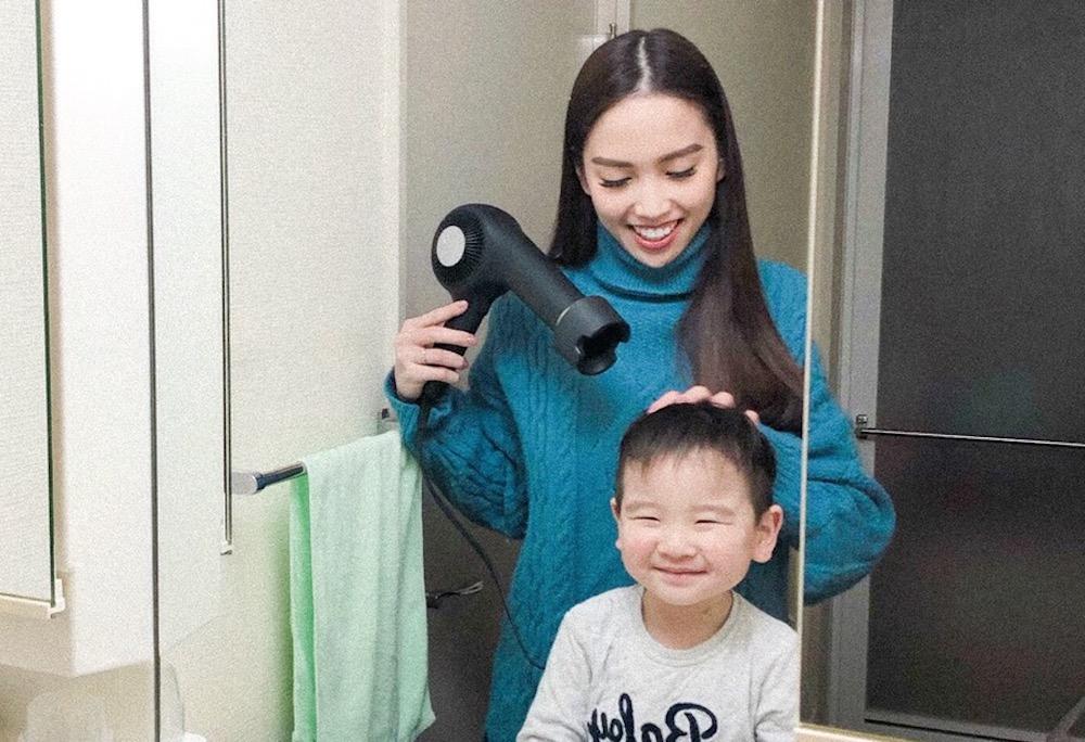 このドライヤーは軽いので、子どもの髪を乾かす時に手が疲れるといったことはありませんでした。