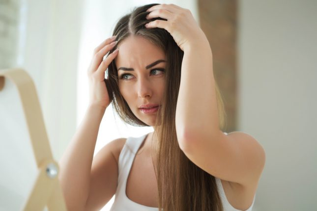 薄毛に悩む女性が増えている…原因や対策方法を専門家に聞いてみた