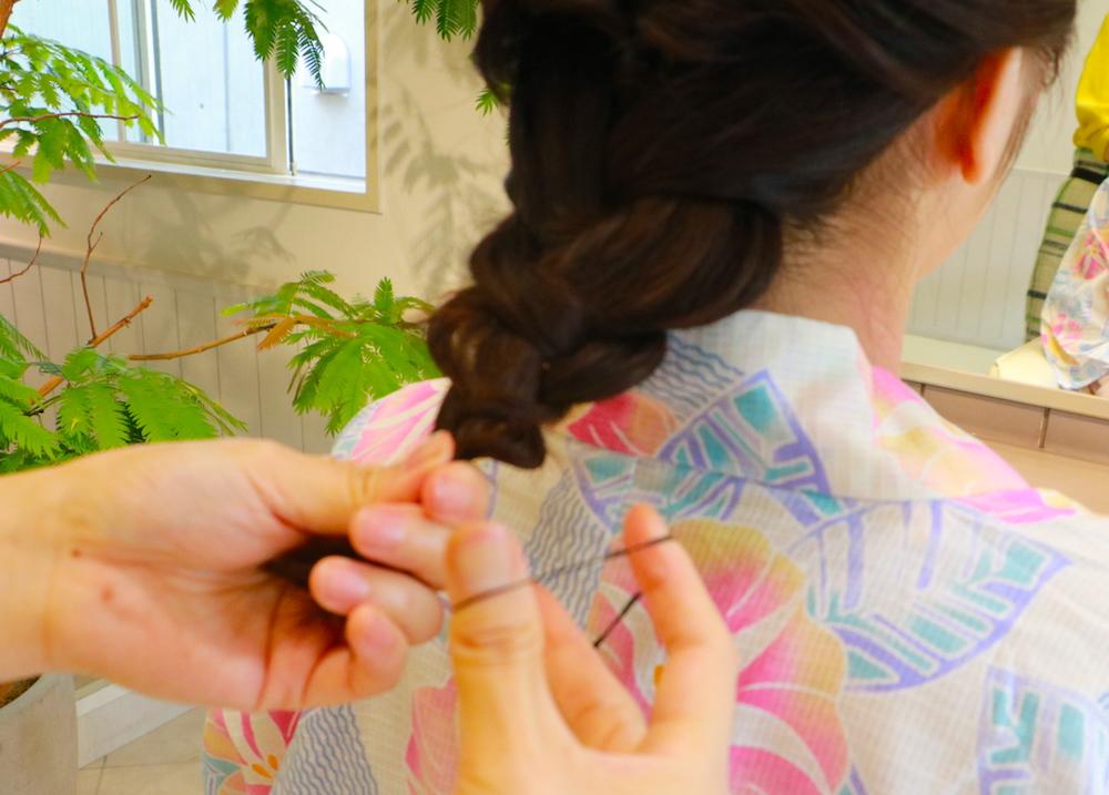 手順4・浴衣に合う【ミディアムヘアアレンジ】大人女子感が漂う♡はんなりアップスタイル