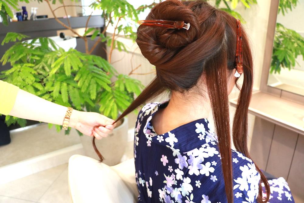 手順1・【ロング】レトロ柄の浴衣にぴったり!まとまり感のあるアップスタイル