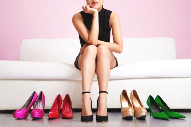 気になる靴の臭い……靴と足のケアしてる?臭いの原因や正しいお手入れ方法