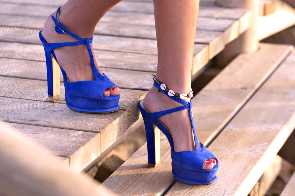靴の臭いの原因は足の「汗・角質・皮脂・汚れ」にあり!