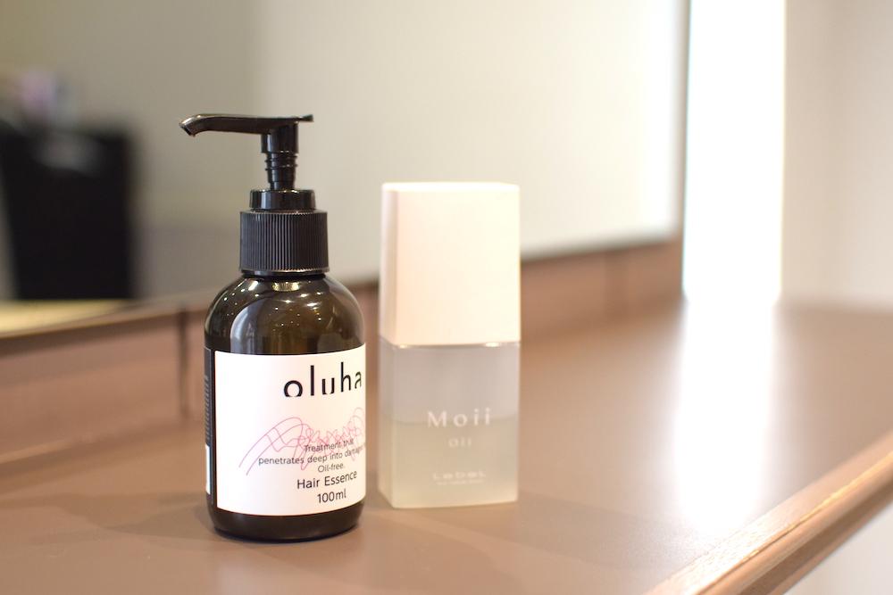 さらに髪のツヤをアップさせたい!という方におすすめのヘアケアアイテム「oluha」のヘアケアシリーズから出ている、ジェル状の洗い流さないトリートメント
